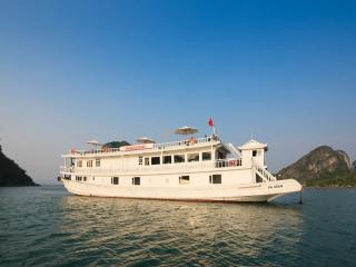 PARAGON CRUISE, Baie d'Halong