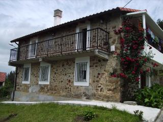 Rural house on edge town & 7min from Laredo beach