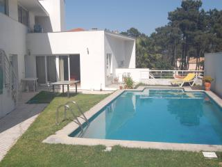 Verdizela Villa with pool near beach - 8 Guests, Sao Bras de Alportel