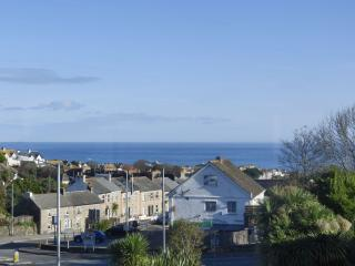 Lowena Studio with beautiful sea views, St Ives