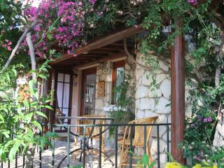 A gem of an apartment, sleeps two, walk to the sea, Kalkan