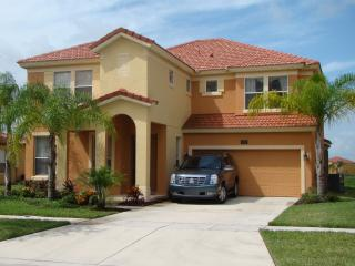 Luxurious 6 Bedroom Tink@Bella Villa with Gameroom, Hot Tub, and WiFi, Kissimmee