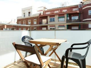 Apartamento nuevo, metro Navas, Barcelona