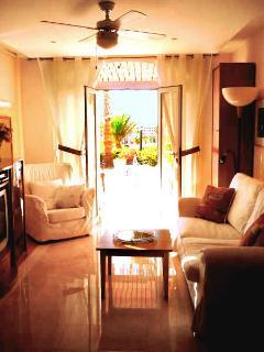 Livingroom/ Lounge Area