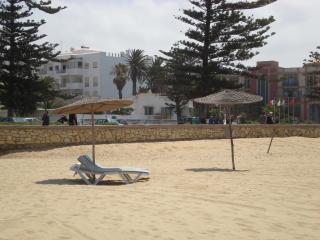 L'Immeuble (le blanc)  vue de la plage