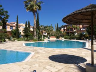 Paphos apartment with swimming pool
