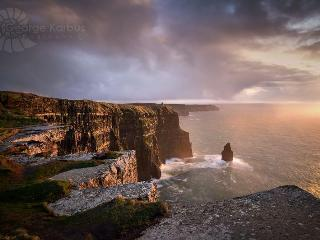 Cliffs of Moher 15 mins away as is Burren, Golf, Beach (5min)