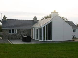Pant - luxury cottage with hot tub, Aberdaron