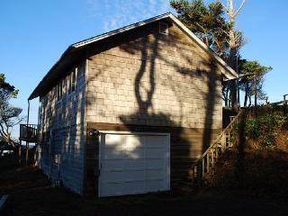 Ford House --R150 located in Waldport Oregon
