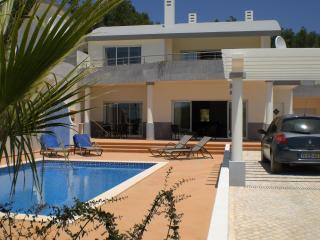 Ocean Breeze Stylish Villa Private Pool Sea Views, Salema