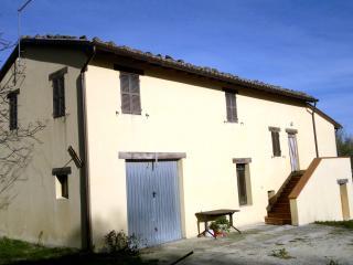 Casa rustica in campagna, Serra San Quirico