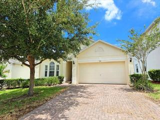 THE LARKHAVEN: 3 Bedroom Pool Home with Game Room in Gated Community, Davenport