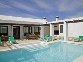 Villa Cartaphilus, Puerto Del Carmen, 6 Bedroom,4 Bathroom, Heated Private Pool