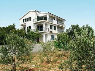 Villa GORDA, Okrug Gornji