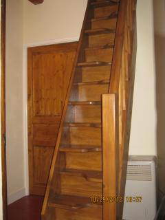 Paddle staircase leading to 2nd floor bedroom