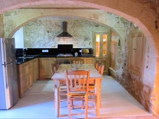 The newly refurbished kitchen/dining area with high quality Neff appliances.