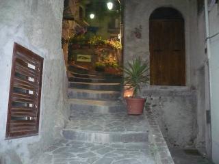 a casa du casteddu - 4 posti (+ 1), secondo piano, Galati Mamertino