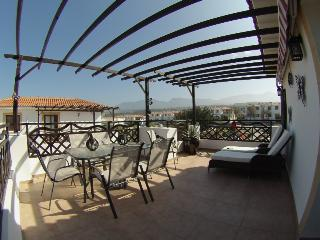 Sea Magic A2/08 1-bed p/house with sea views and large terrace