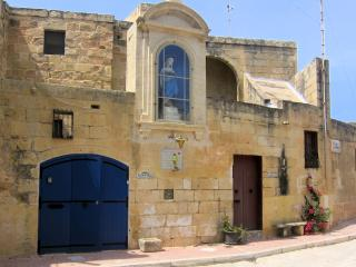 Razzett Ta' Marija-350 yr old Farmhouse-Private pool-heated 1 May-31 October