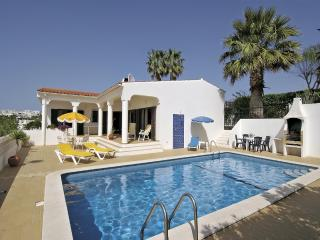 Villa with 4 bedrooms, pool, sea views and A/C, Albufeira