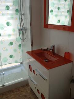 Cuarto de baño. Placa de ducha de 60*120 cms