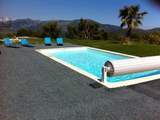 Villa avec piscine et vue mer entre Nice et Monaco