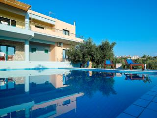 FORTINO LUXURY VILLA, Chania Town