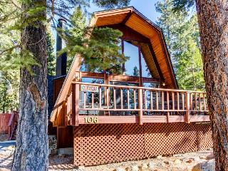 Wonderful A-frame cabin with lake views, shared pool, & tennis courts!, Tahoe City