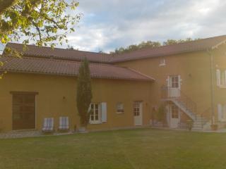 La Cerisaie (01) - Chambre 'Croix-Roussienne', Montmerle-sur-Saone