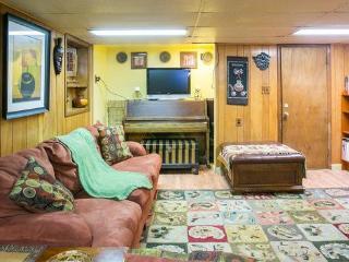 Savanna Extended Stay Apartment at Mushaindoro, Maplewood