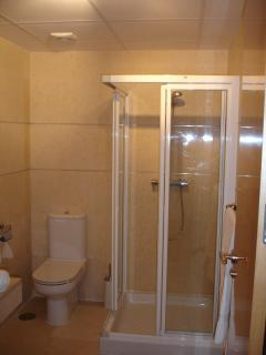 second en-suite and second shower, Great convenience.