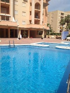 Ground floor, private & exclusive use of the apartments, with toddler, jacuzzi and swimming pool