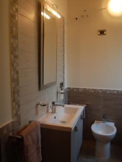 bagno interno con box doccia