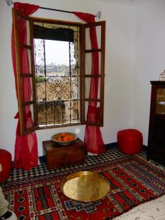 Chambre Seffarine with medina view