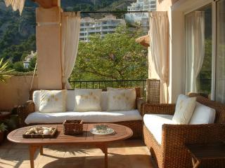 outdoor relaxing or lunch alfresco