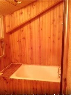 La cabine de bain du 1er. Un peu nordique...Attention la tête!