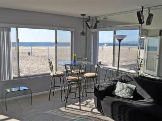 Oceanfront Getaway **New Listing**, Hermosa Beach