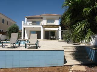 Beach House, Faros Beach, Pervolia Larnaca.