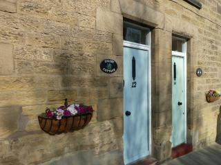 Cute, Charming and Characterful Juliet Cottage, Central Alnwick, Northumberland