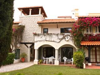 Fuji Red Villa, Vilamoura, Algarve