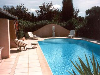Superb Provencal style private pool & tennis, Montauroux