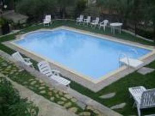 casa indipendente con piscina, barbecue, wifi, Dolcedo