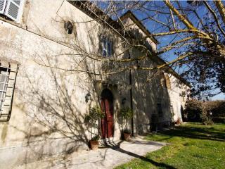 Villa Rinascimento, Farnese