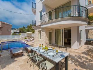 Villa Honeysuckle in Central Kalkan, very popular