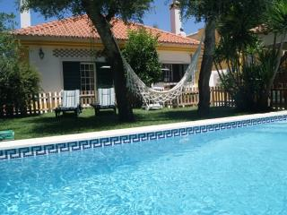 Guest House Garden & Pool 4pax, Vila Nogueira de Azeitao