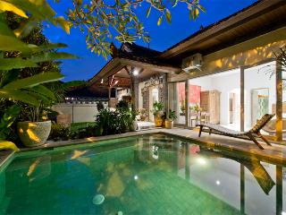 Orchid, 3 Bedroom Villa, Near Beach, Central Sanur