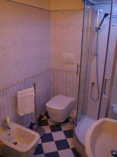 Upper level Bathroom #villatorredicolonne