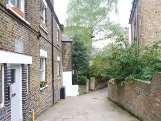 GREAT 2/3 BED FLAT NW3 ****** 2 mins from Tube and 15 mins from Central London