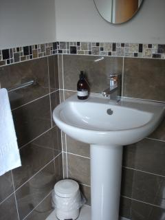 en-suite shower room in double bedroom