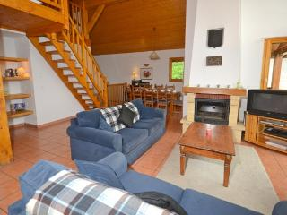 Chalet de Neige (B4) sleeps 8p and snow depending you can ski to the door!